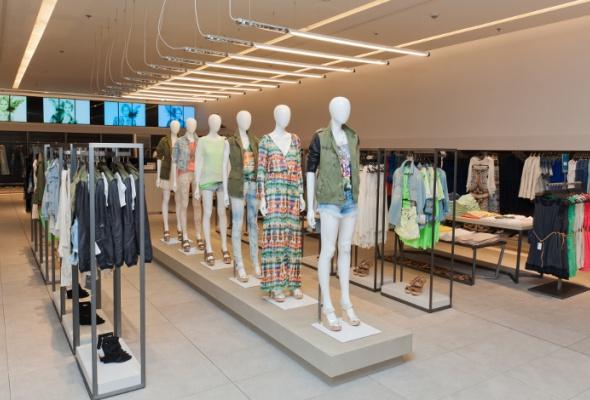 Zara в«Европейском» открылась вновом имидже - Фото №2