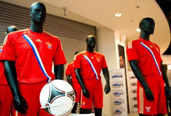 Первый вРоссии бренд-центр adidas открылся в«Европейском» - Фото №1