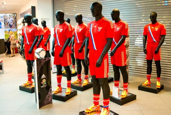 Первый вРоссии бренд-центр adidas открылся в«Европейском» - Фото №0