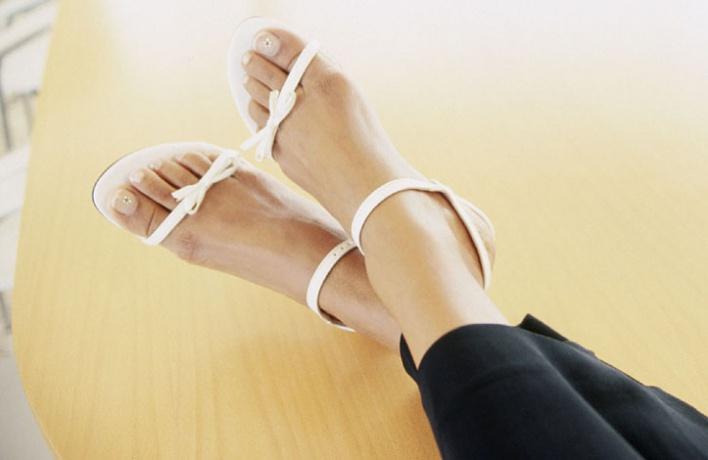 50женских сандалий