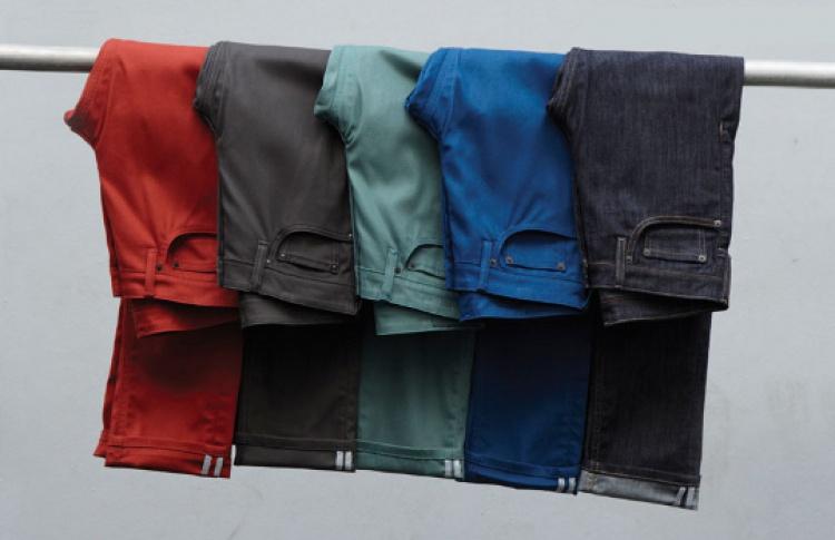 Levi's снизил цены на одежду в два раза