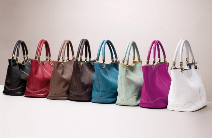 ВLancel появились сумки-шоперы иззмеиной кожи