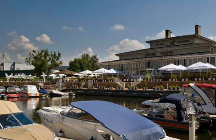 Яхт-клуб Крокус Сити