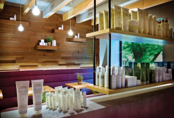 НаМалой Бронной открылся концептуальный салон StressLess Lounge & Beauty Bar - Фото №2