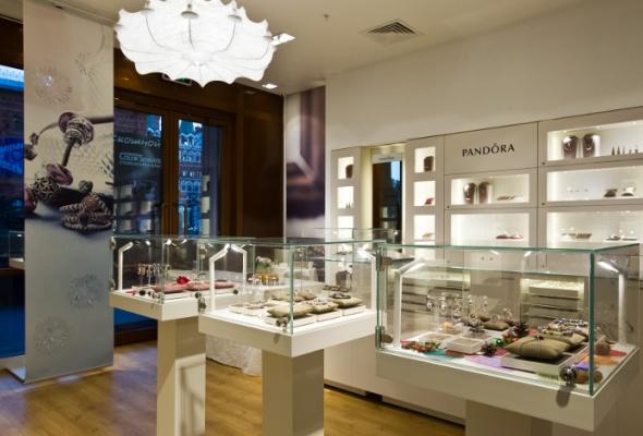 Вгалерее «Москва» открылся ювелирный салон Pandora - Фото №2