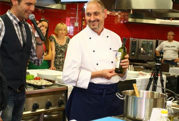 Две национальные кухни висполнении двух кулинаров - Фото №3