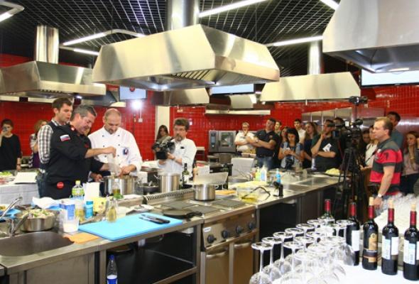 Две национальные кухни висполнении двух кулинаров - Фото №4