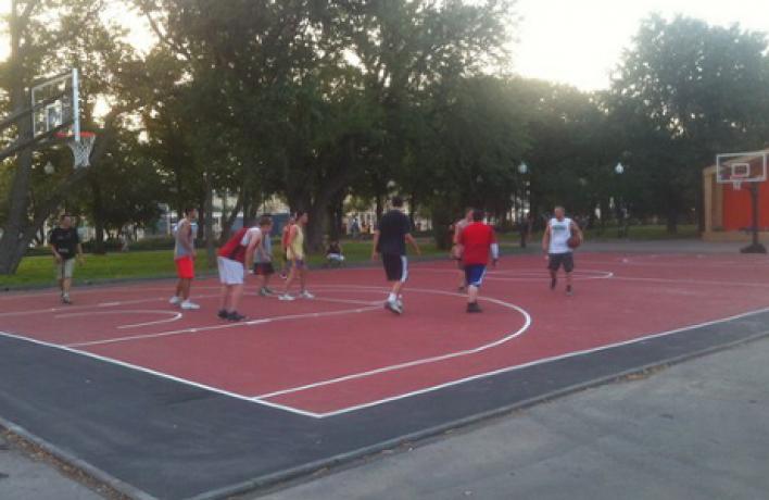 Баскетбольная площадка Парка Горького