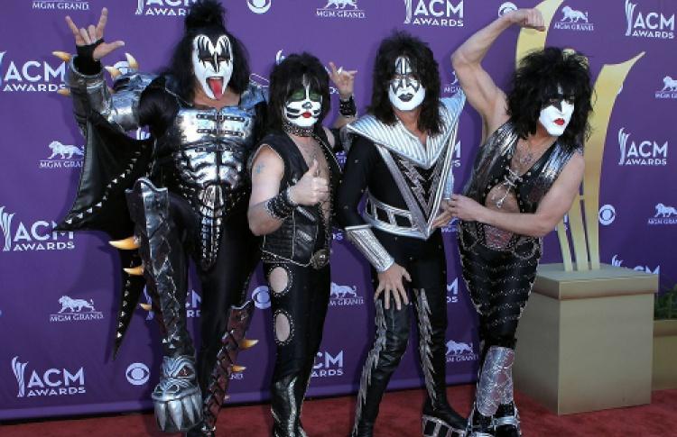Kiss— Hell OrHallelujah