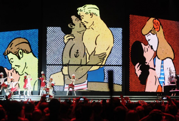 Мадонна поддержала Pussy Riot наконцерте вМоскве - Фото №1