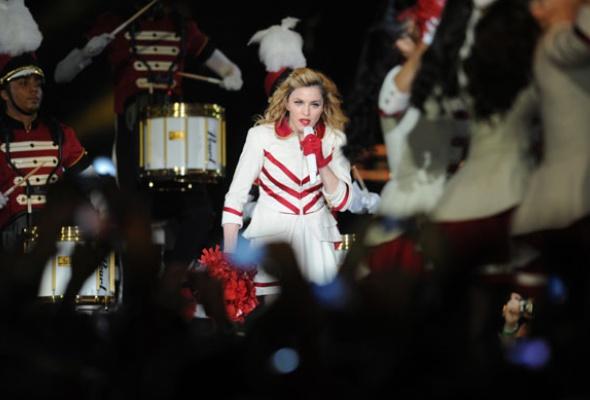 Мадонна поддержала Pussy Riot наконцерте вМоскве - Фото №2