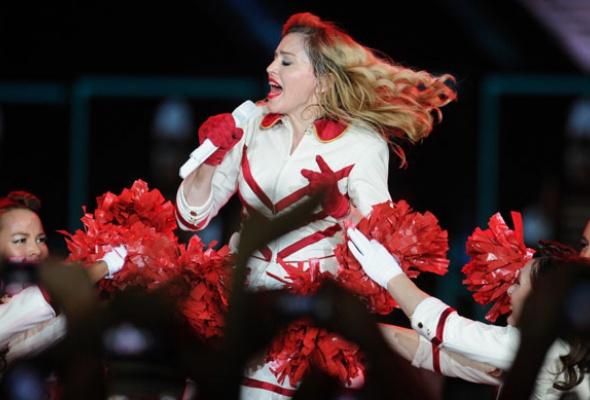 Мадонна поддержала Pussy Riot наконцерте вМоскве - Фото №3