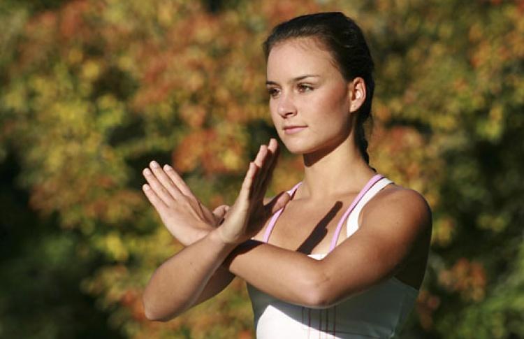 Впарках проводят бесплатные занятия гимнастикой цигун