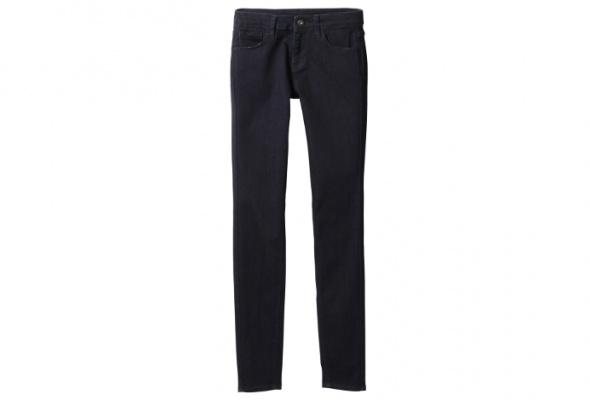 Новые джинсы Uniqlo делают ноги стройнее - Фото №1