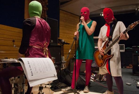 Pussy Riot стали главной группой страны - Фото №0