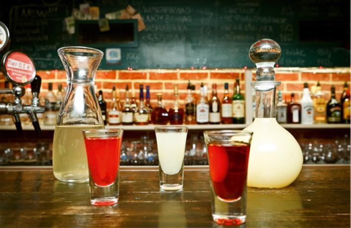 Виртуозные бармены в''Пирогах''