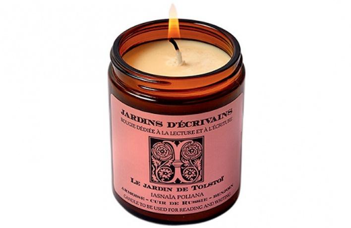 В«Цветном» появилась парфюмерная свеча для писателей