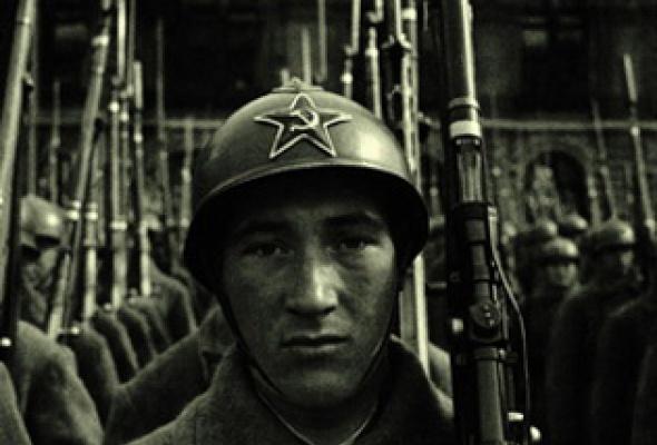 Россия. ХХ век в фотографиях. 1918-1940 - Фото №0