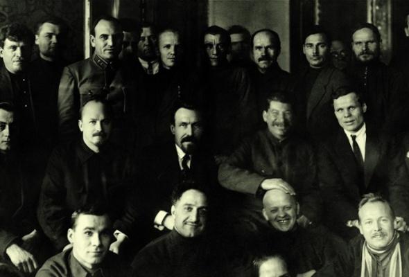 Россия. ХХ век в фотографиях. 1918-1940 - Фото №3