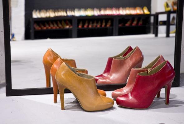 Вшоу-рум Revien привезли бельгийскую обувь NOE - Фото №2