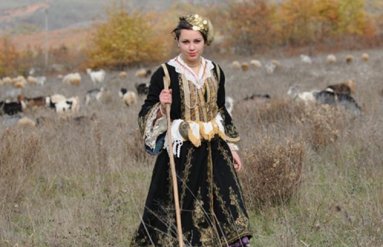 """Роланд Ташо """"Албания в фотографиях"""""""