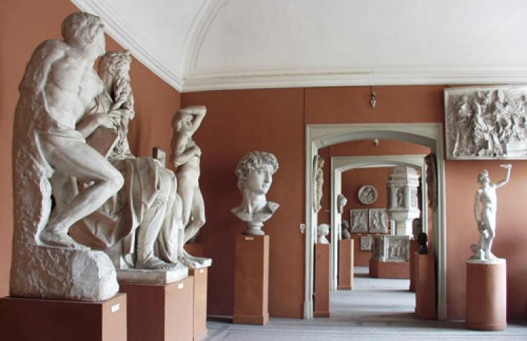 Экскурсия по Академии художеств