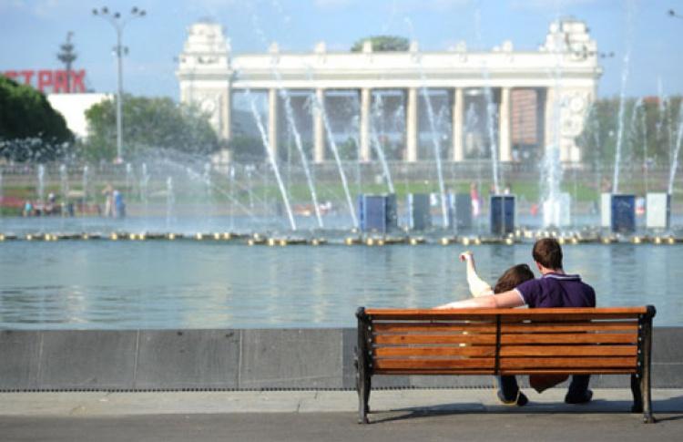 Главный вход Парка Горького закроют
