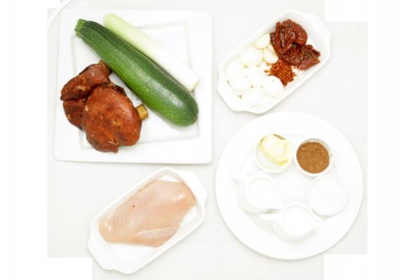 Рецепт: Фаршированный кабачок цукини - Фото №1