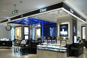 ВЦУМе открылся новый парфюмерно-косметический корнер Dior