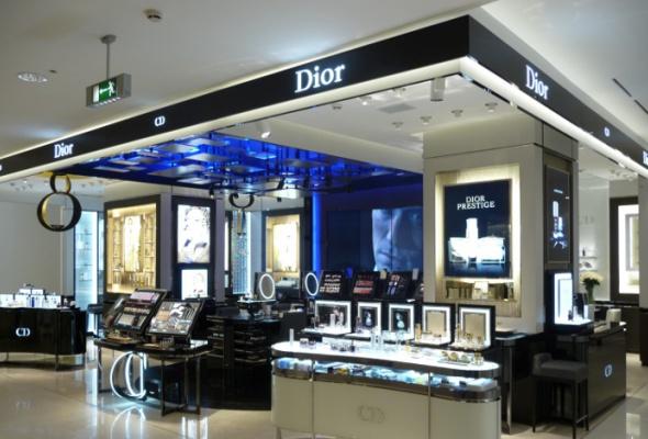 ВЦУМе открылся новый парфюмерно-косметический корнер Dior - Фото №0