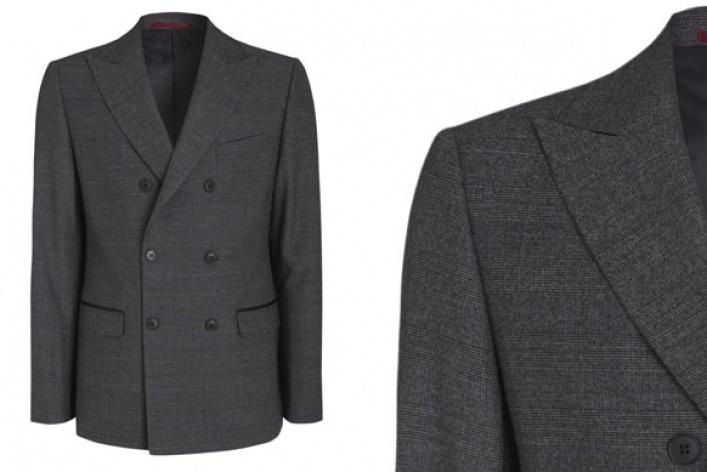 6магазинов смужскими двубортными пиджаками