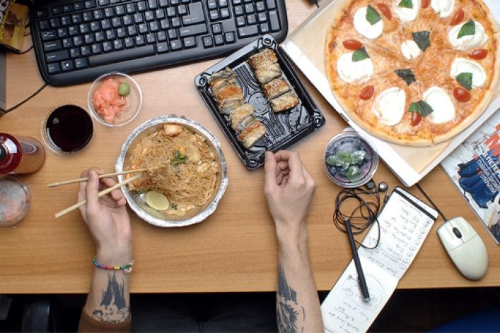 6вариантов плотно поесть, неотходя отрабочего места