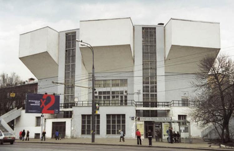 Театр Виктюка закрывают нареставрацию