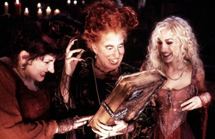 10лучших фильмов и1сериал кХеллоуину