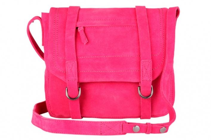 Осеннюю коллекцию Gap дополнили яркие замшевые сумки