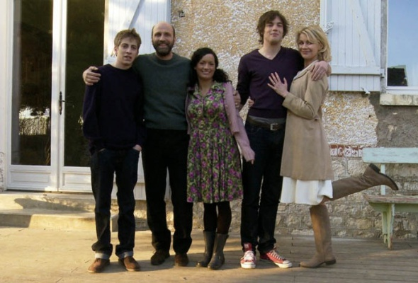 Сексуальные хроники французской семьи - Фото №0