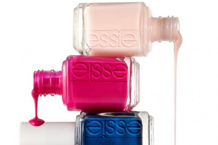 Всалонах красоты начали продавать профессиональные лаки Essie