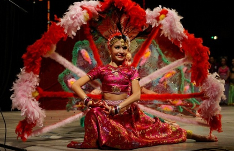 """III Международный конкурс исполнителей индийских танцев """"Индийская радуга"""""""