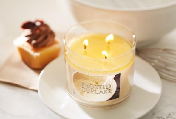 ВBath & Body Works появились новые парфюмированные свечи - Фото №3