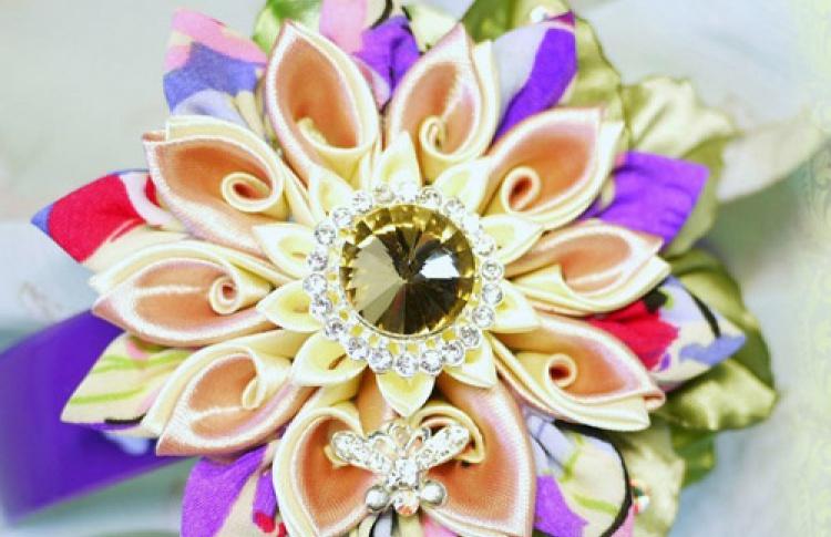Канзаши. Цветы из ткани
