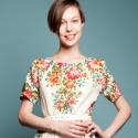 Даша Померанцева сшила коллекцию платьев изпавлово-посадских шерстяных платков
