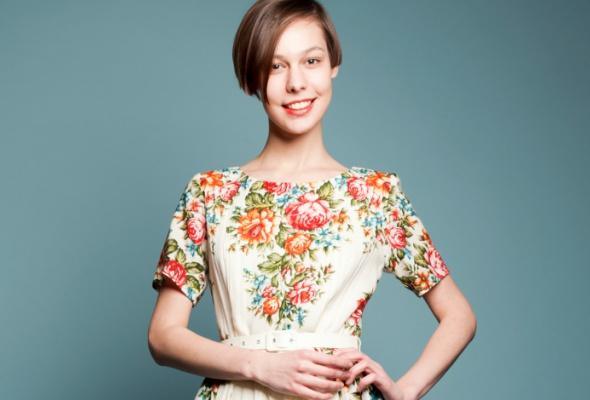 Даша Померанцева сшила коллекцию платьев изпавлово-посадских шерстяных платков - Фото №0