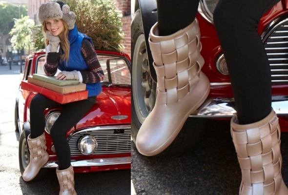 УCrocs вышла новогодняя коллекция обуви - Фото №1