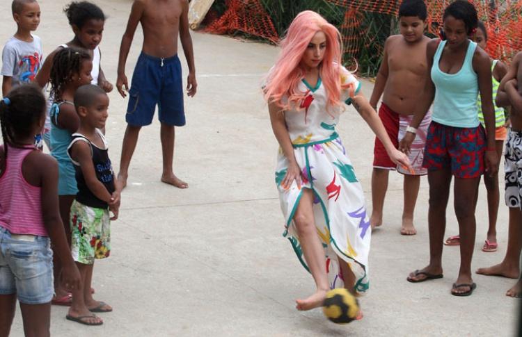 Леди Гага: 50образов, которые потрясли мир Фото №359157