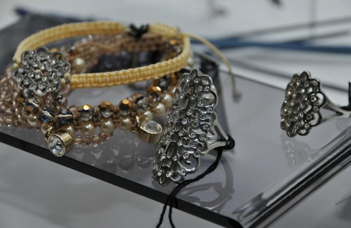 Дизайнеры бижутерии Dyrberg/Kern представили свои новые украшения