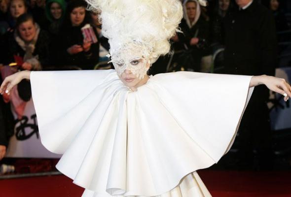 Леди Гага: 40луков, которые потрясли мир - Фото №10