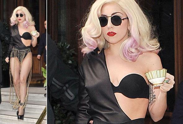 Леди Гага: 40луков, которые потрясли мир - Фото №11