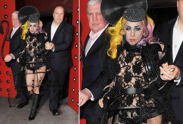 Леди Гага: 40луков, которые потрясли мир - Фото №14