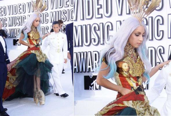 Леди Гага: 40луков, которые потрясли мир - Фото №17
