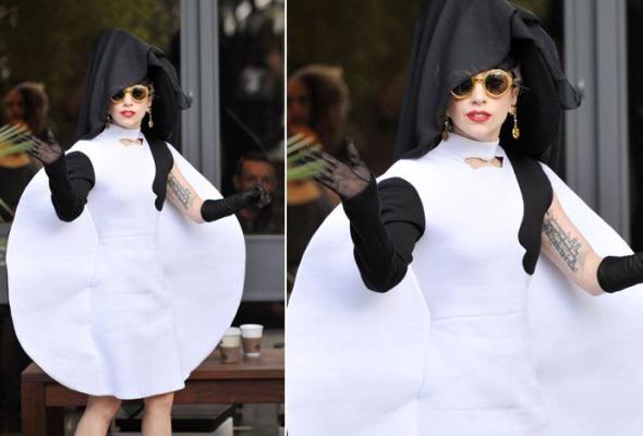 Леди Гага: 40луков, которые потрясли мир - Фото №23